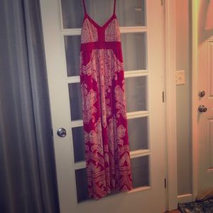 Summer maxi dress in red and white, size XL.